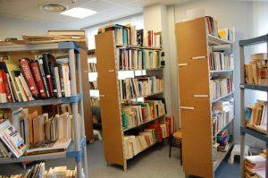 la-bibliotheque-du-mra-propose-4500-volumes-en-9-langues